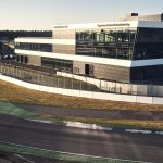 01-medientechnik-referenz-porsche-experience-center-hockenheimring