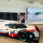 02-medientechnik-referenz-porsche-experience-center-hockenheimring